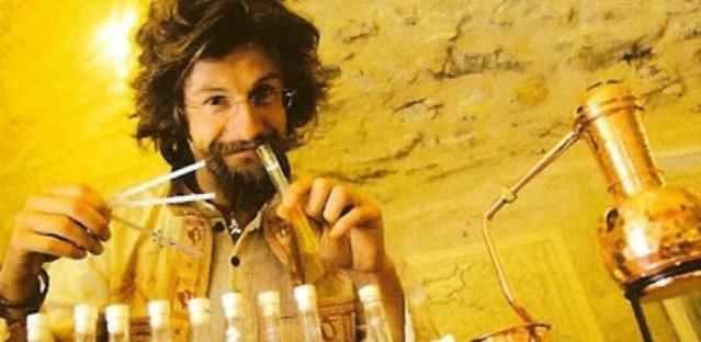 Rencontre avec Nicolas Jennings, créateur de parfums vivants !