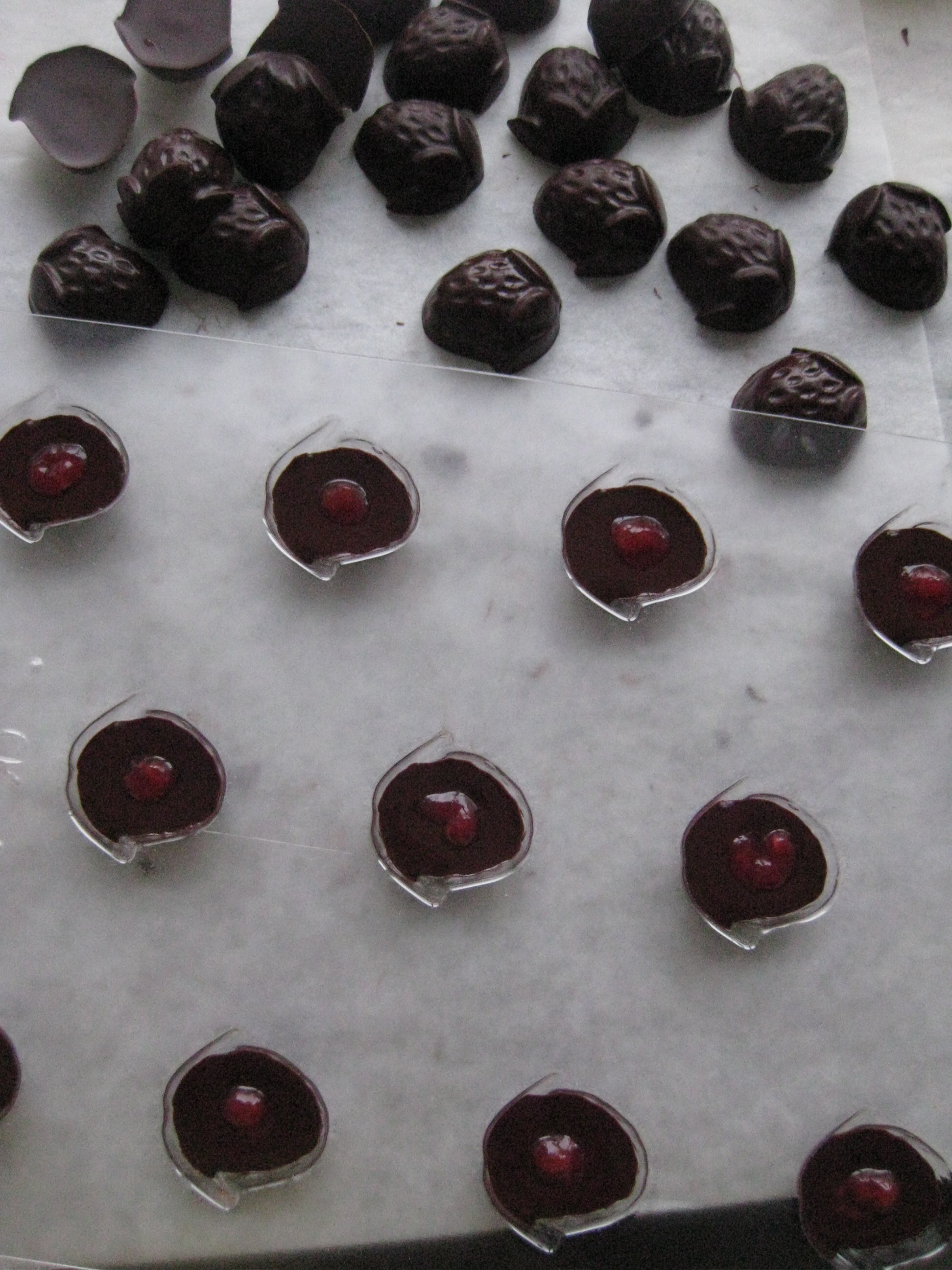chocolats-noirs-coeur-pulpe-framboise