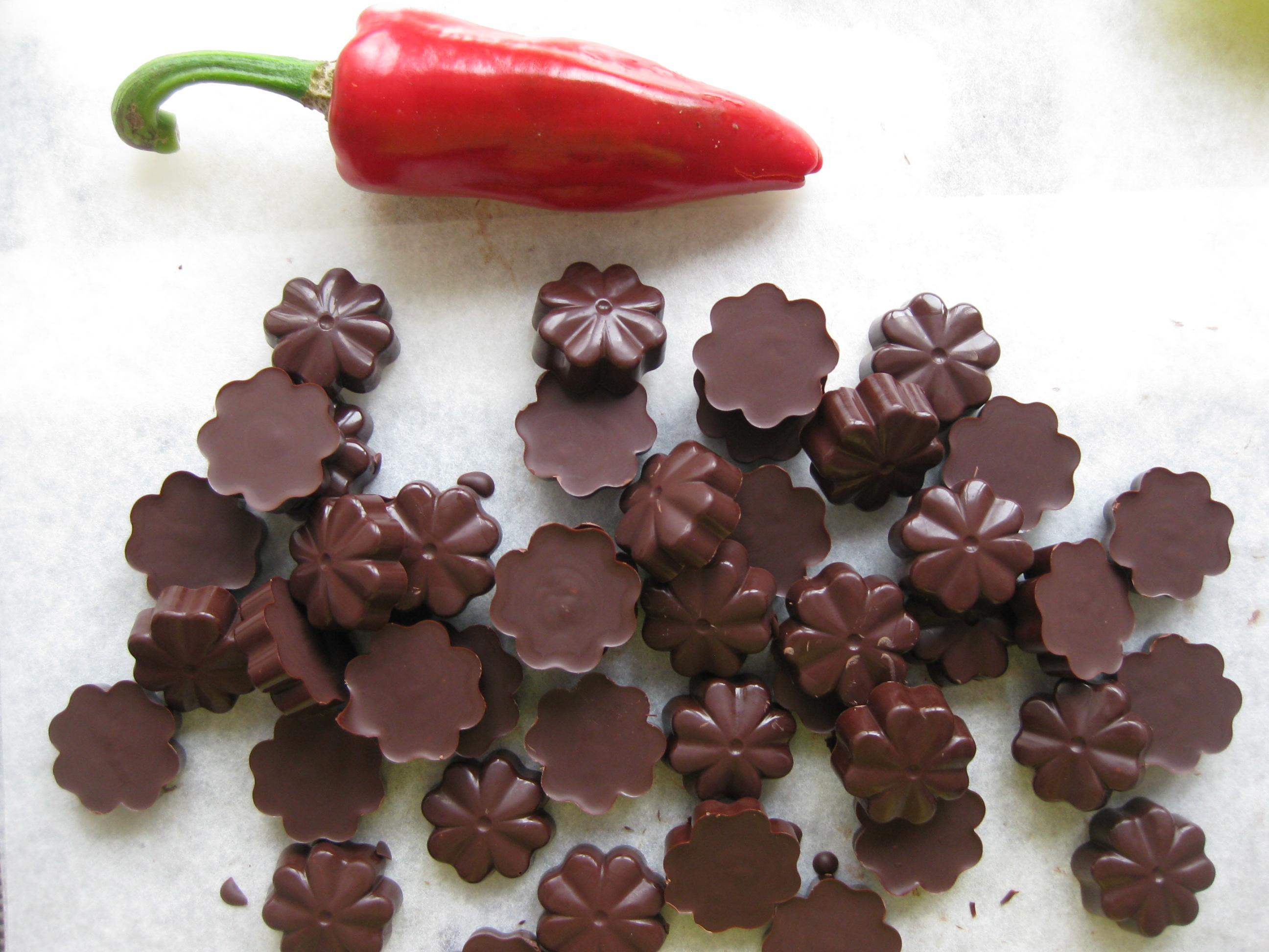 chocolats-noirs-piment-espelette